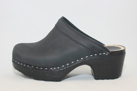 black concord open back clog